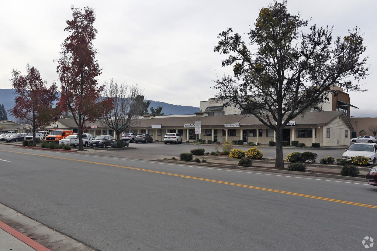 Commercial للـ Sale في 7901 Westwood Drive 7901 Westwood Drive Gilroy, California 95020 United States