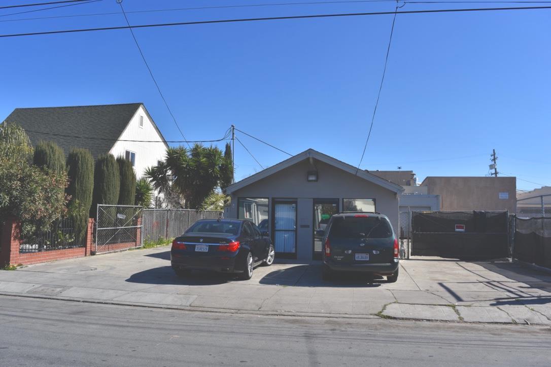 Einfamilienhaus für Mieten beim 422 Douglas Avenue 422 Douglas Avenue Redwood City, Kalifornien 94063 Vereinigte Staaten