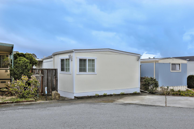Maison unifamiliale pour l Vente à 23 Oceanview Avenue 23 Oceanview Avenue Half Moon Bay, Californie 94019 États-Unis