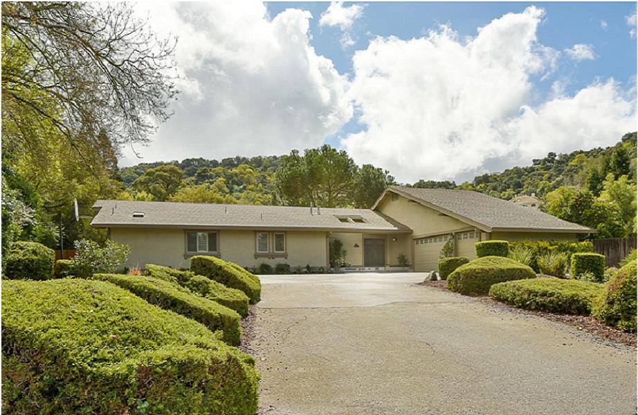 Einfamilienhaus für Verkauf beim 1130 Deana Court 1130 Deana Court Morgan Hill, Kalifornien 95037 Vereinigte Staaten