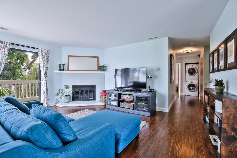 Appartement en copropriété pour l Vente à 456 Laurel Avenue 456 Laurel Avenue Half Moon Bay, Californie 94019 États-Unis