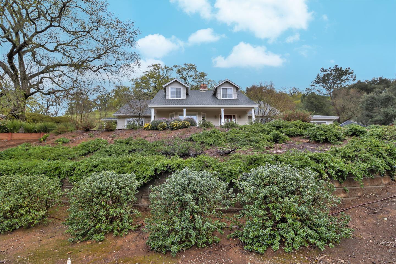 Einfamilienhaus für Verkauf beim 13800 Sycamore Drive 13800 Sycamore Drive Morgan Hill, Kalifornien 95037 Vereinigte Staaten