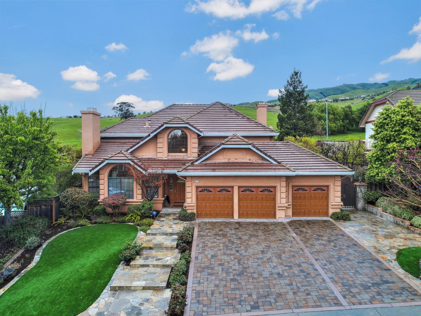 Частный односемейный дом для того Продажа на 48931 Ventura Drive 48931 Ventura Drive Fremont, Калифорния 94539 Соединенные Штаты
