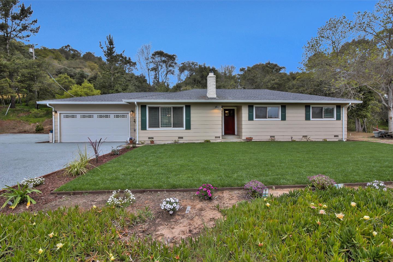 واحد منزل الأسرة للـ Sale في 3675 Moon Place 3675 Moon Place Aromas, California 95004 United States