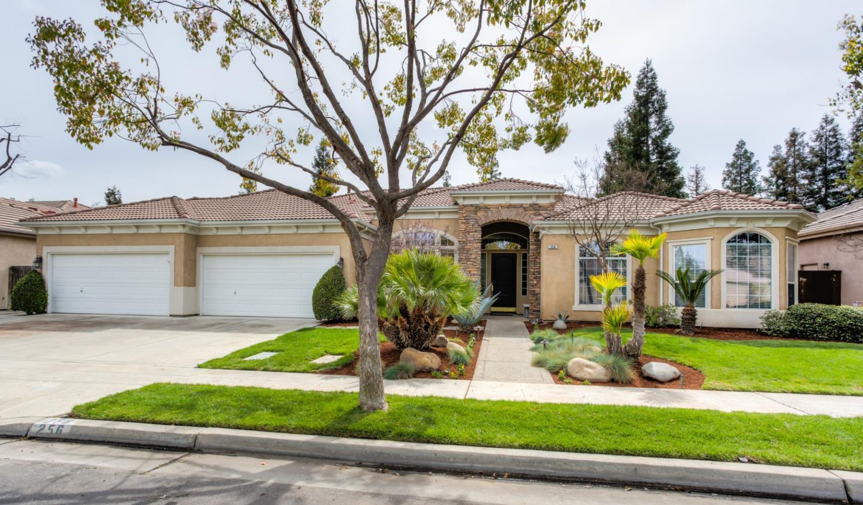 Maison unifamiliale pour l Vente à 256 Houston Avenue 256 Houston Avenue Clovis, Californie 93611 États-Unis