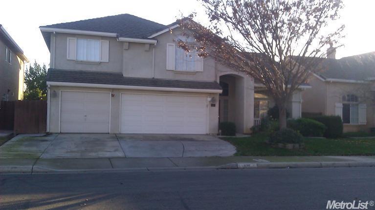 Частный односемейный дом для того Продажа на 875 Kathy Court 875 Kathy Court Los Banos, Калифорния 93635 Соединенные Штаты