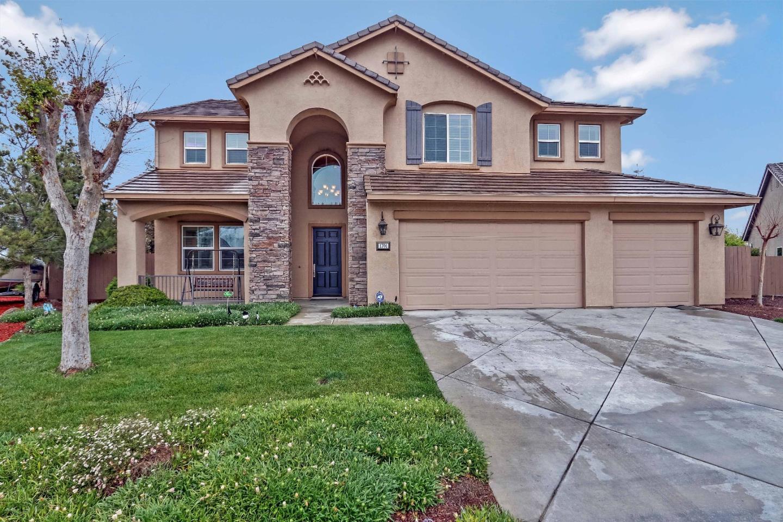 Частный односемейный дом для того Продажа на 1701 Peat Court 1701 Peat Court Los Banos, Калифорния 93635 Соединенные Штаты