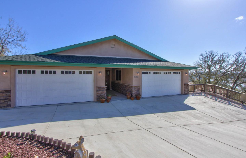 Частный односемейный дом для того Продажа на 2646 Pine Ridge Road 2646 Pine Ridge Road Bradley, Калифорния 93426 Соединенные Штаты