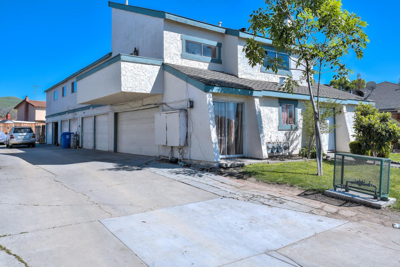 多戶家庭房屋 為 出售 在 720 Dempsey Road 720 Dempsey Road Milpitas, 加利福尼亞州 95035 美國