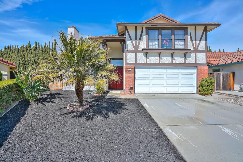 獨棟家庭住宅 為 出售 在 819 De Anza Court 819 De Anza Court Milpitas, 加利福尼亞州 95035 美國