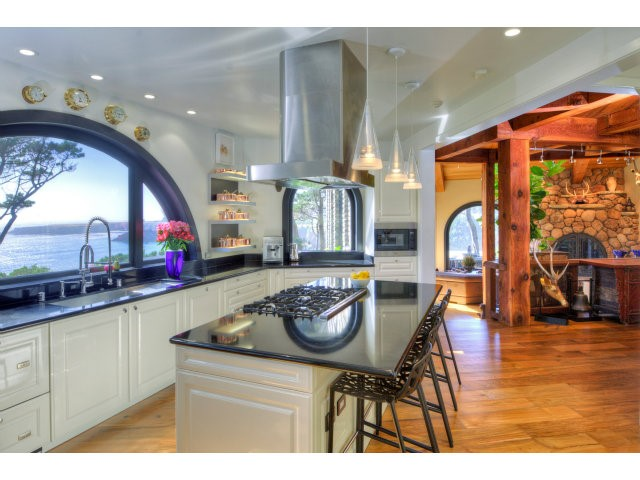 Additional photo for property listing at 10000 Brewery Gulch Road 10000 Brewery Gulch Road Mendocino, Калифорния 95460 Соединенные Штаты