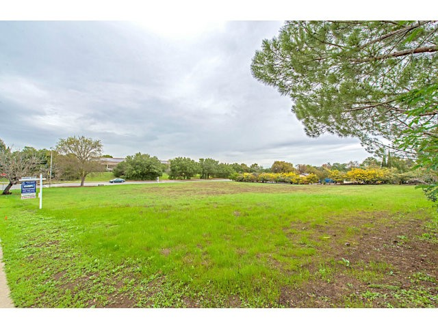 Land for Sale at 4103 OLD TRACE Road 4103 OLD TRACE Road Palo Alto, California 94306 United States