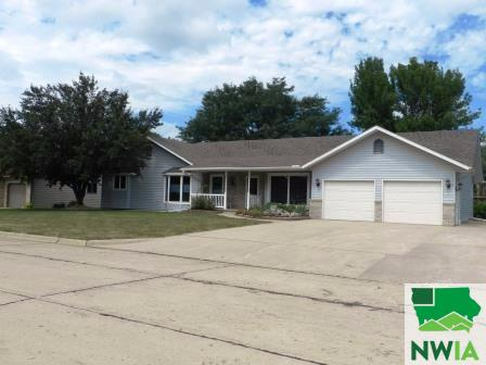 Property for sale at 1106 2nd Street, Sioux Center,  IA 51250