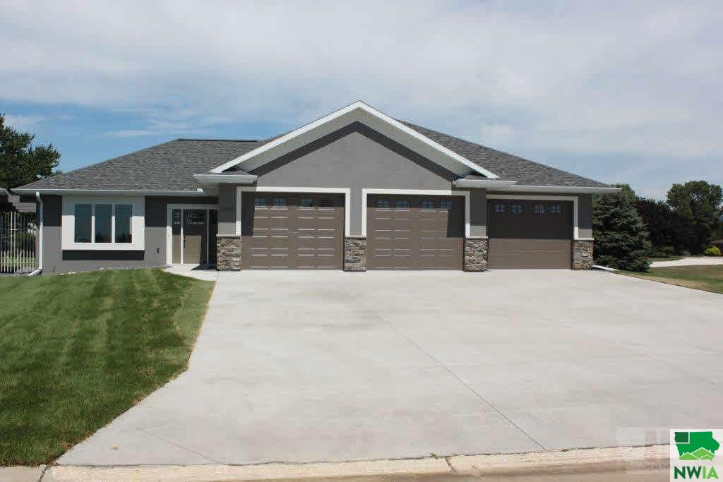 Property for sale at 2025 Riviera Road, Sioux Center,  IA 51250