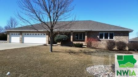 Property for sale at 544 13Th St Cir Se, Sioux Center,  IA 51250