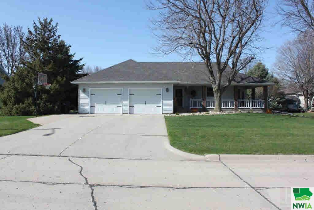 Property for sale at 1110 2nd Street, Sioux Center,  IA 51250