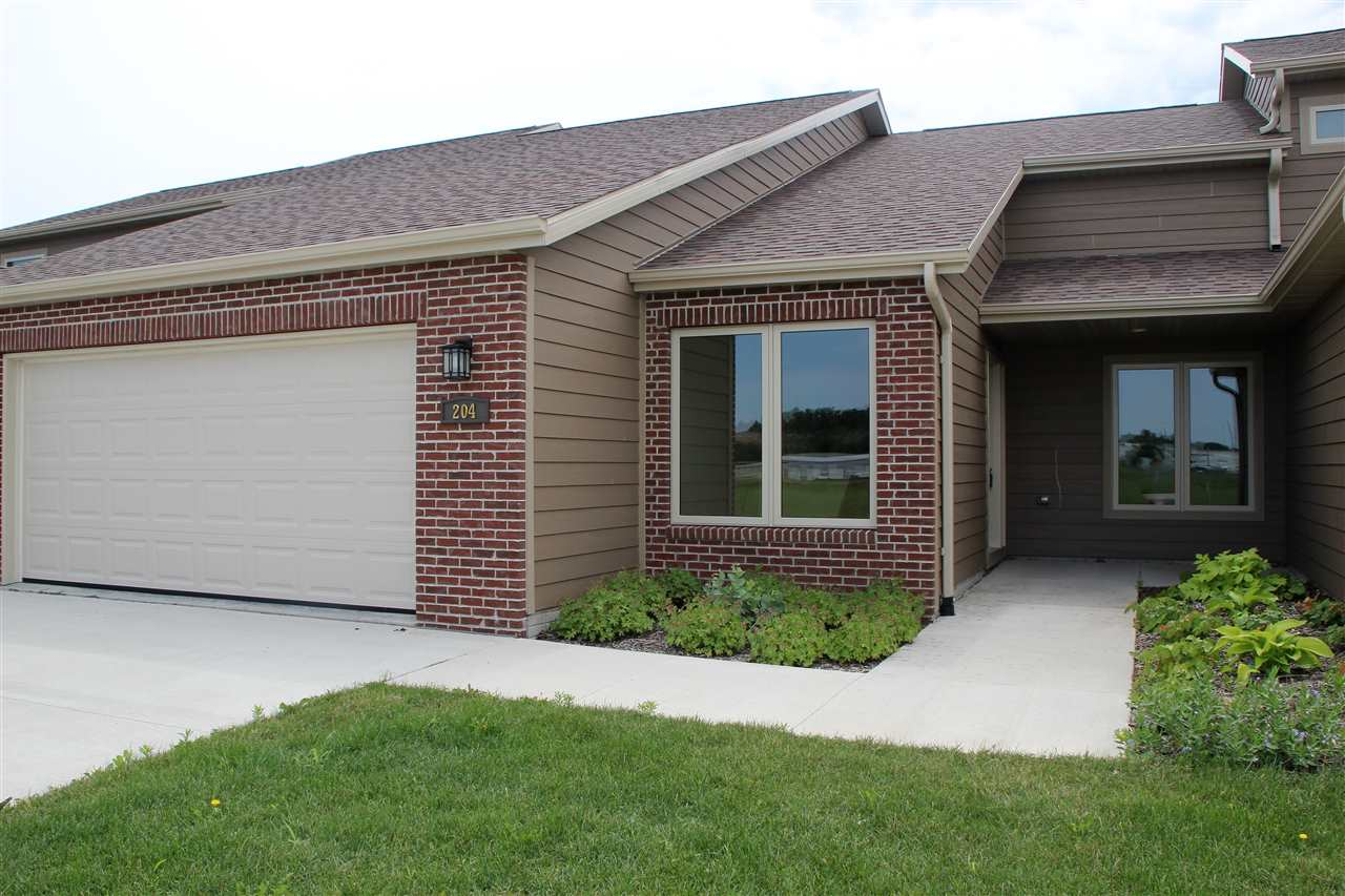 Property for sale at 204 Prairie Bluff Dr. Unit: Rnch, Sergeant Bluff,  IA 51054