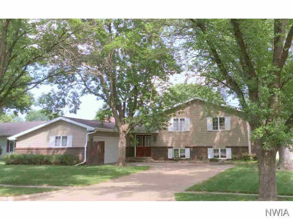 Property for sale at 616 S. Norbeck, Vermillion,  SD 57069