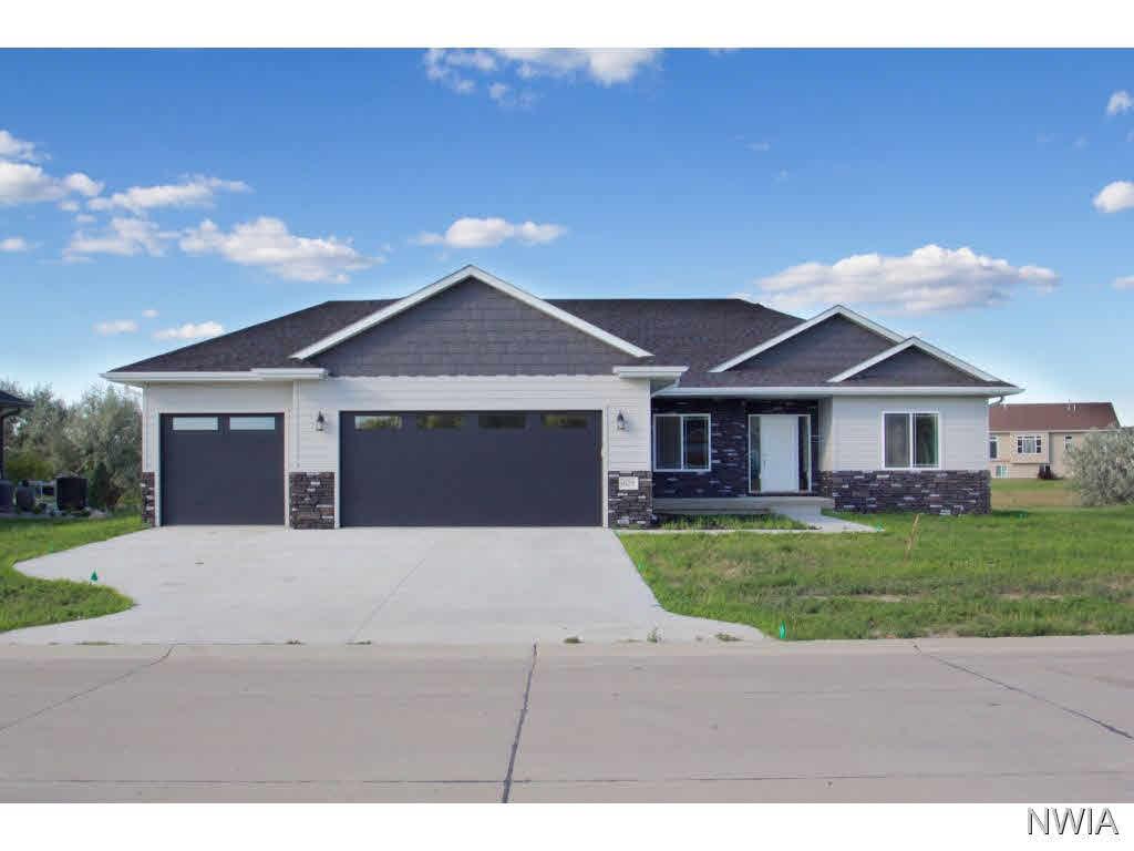 Property for sale at 625 E Pinehurst, Dakota Dunes,  SD 57049