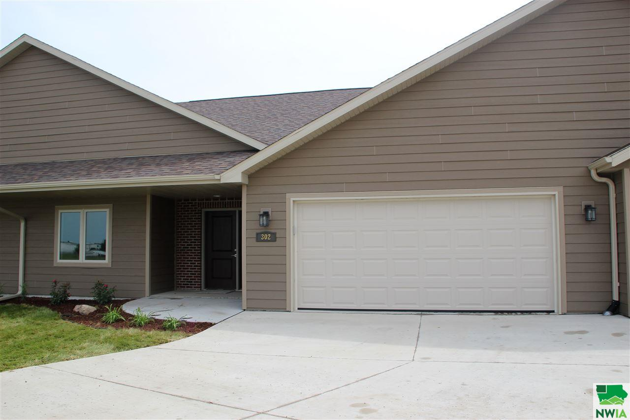 Property for sale at 302 Prairie Bluff Dr., Sergeant Bluff,  IA 51054