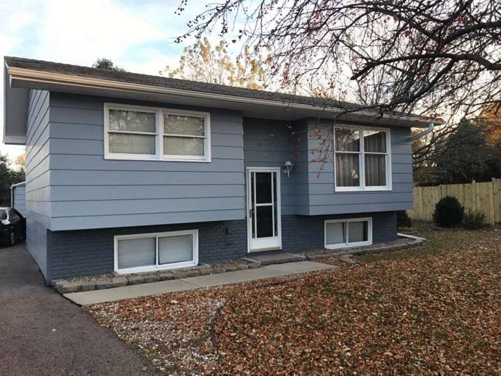 Property for sale at 17 Union Ct, No. Sioux City,  SD 57049