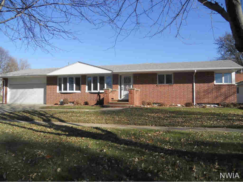 Property for sale at 202 9th Ave Se, Lemars,  IA 51031