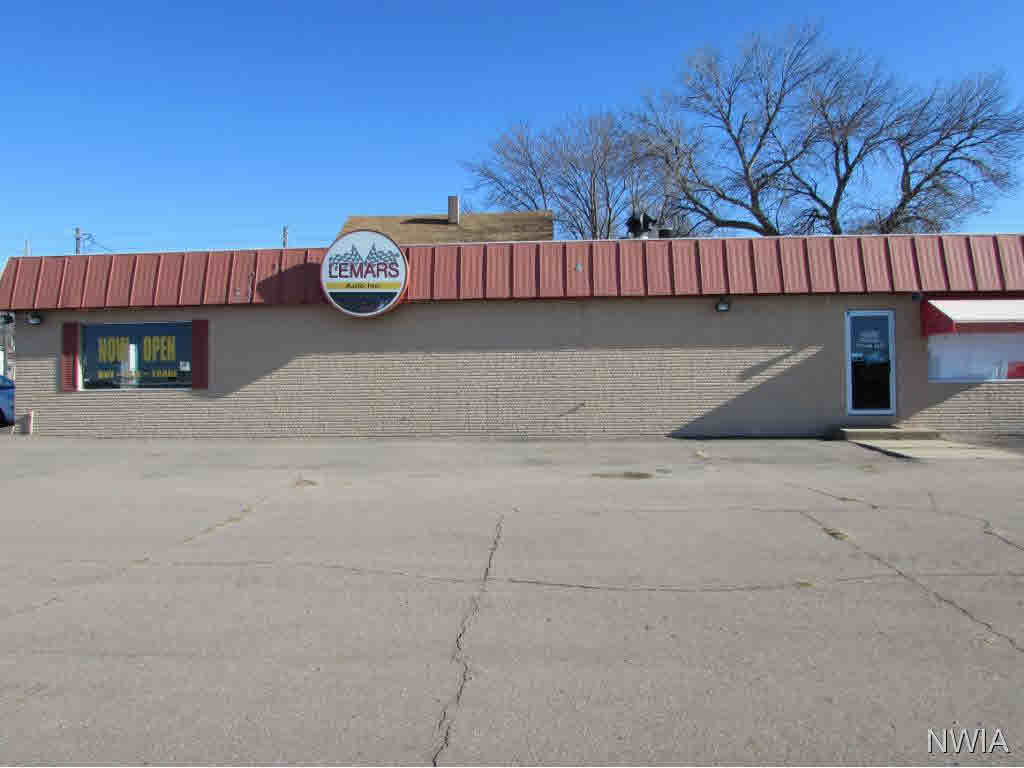 Property for sale at 428 NW 2nd St, Lemars,  IA 51031