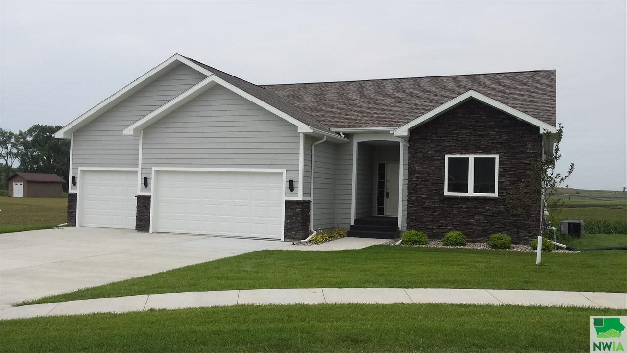 Property for sale at 317 West Creek Drive, Lawton,  IA 51030