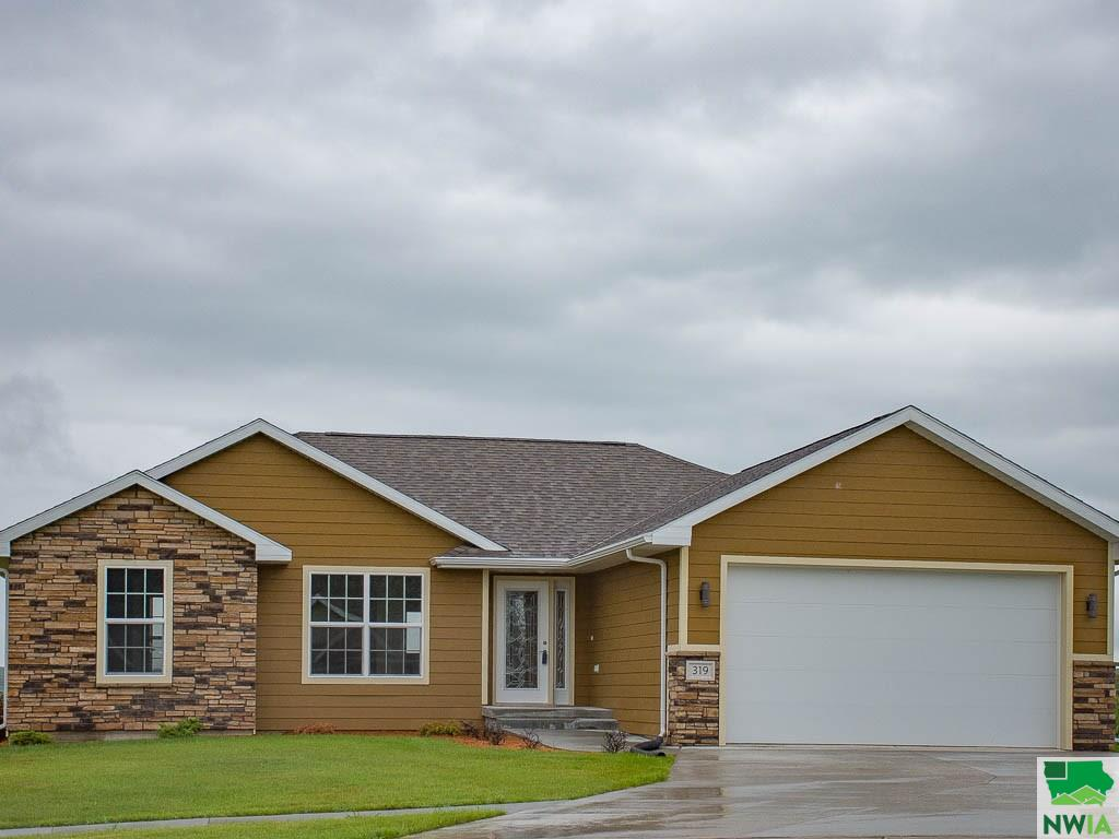 Property for sale at 319 West Creek Drive, Lawton,  IA 51030
