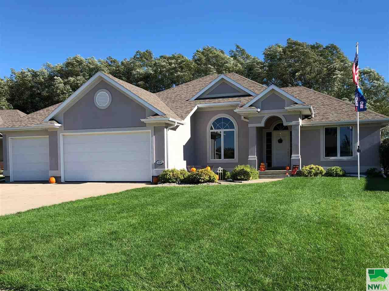 Property for sale at 804 Glenwood Ct, Sergeant Bluff,  IA 51054