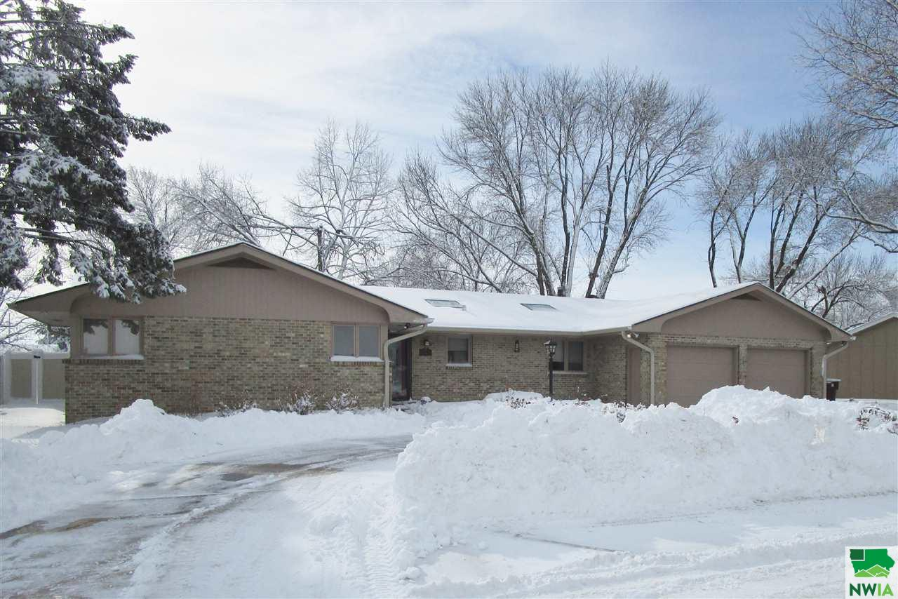 Property for sale at 518 E 32nd, South Sioux City,  NE 68776