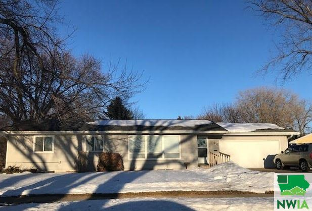 Property for sale at 912 Ridgecrest Dr, Vermillion,  SD 57069