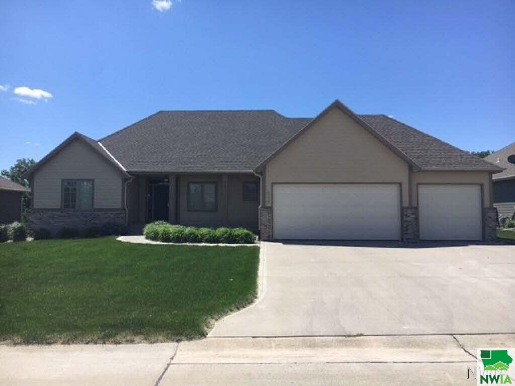 Property for sale at 548 Bluestem, Dakota Dunes,  SD 57049