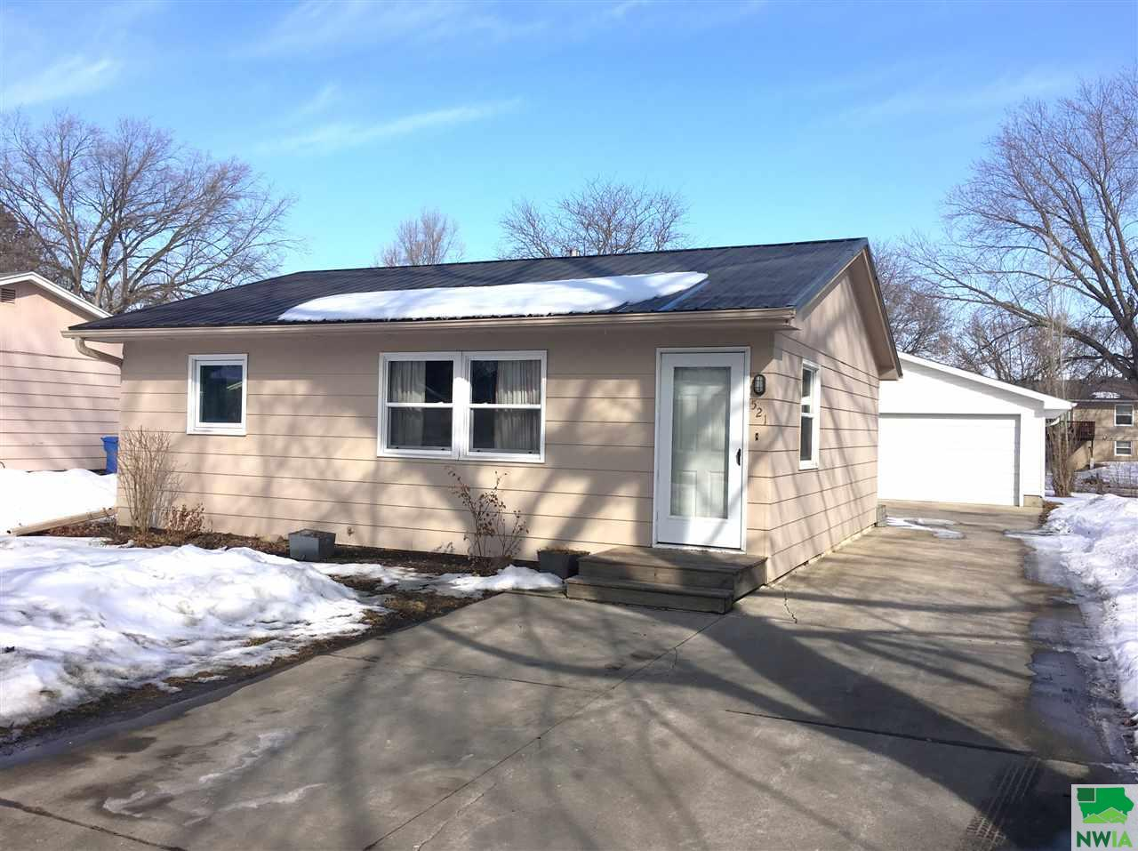 Property for sale at 521 W Clark, Vermillion,  SD 57069
