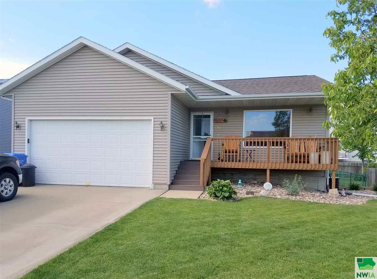 Property for sale at 1216 Madison, Vermillion,  SD 57069