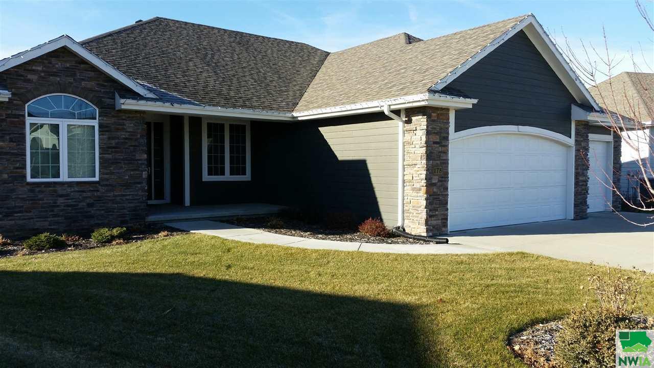 Property for sale at 178 Saddlebrook Court, Dakota Dunes,  SD 57049
