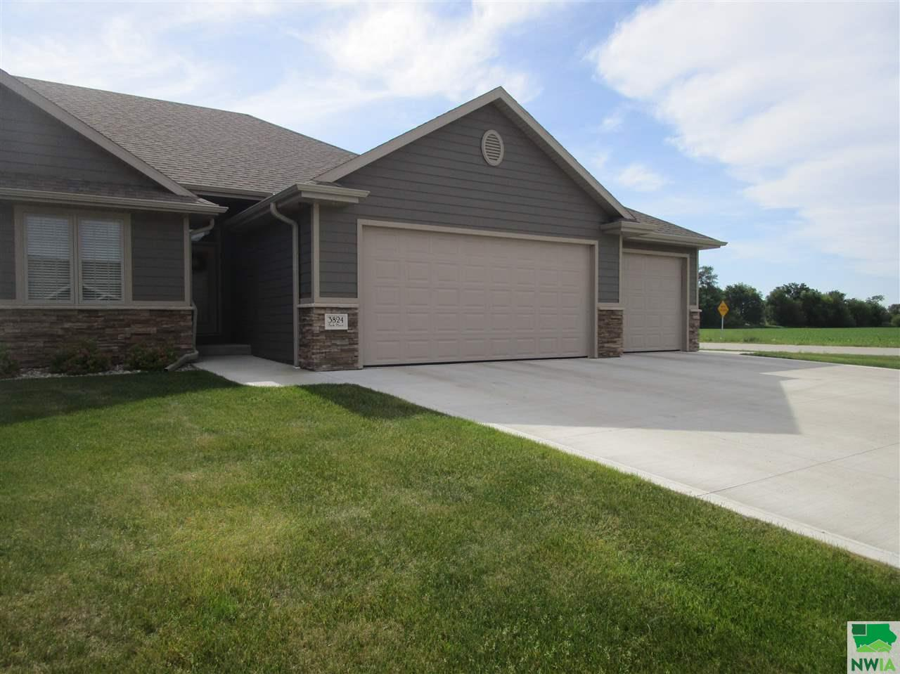 Property for sale at 3824 Park Place, South Sioux City,  NE 68776