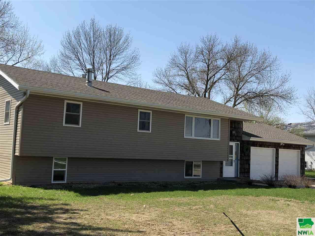 Property for sale at 114 Pioneer Valley Rd, Sergeant Bluff,  IA 51054