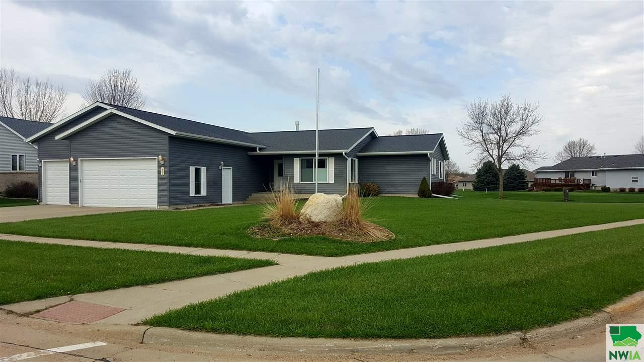 Property for sale at 403 Oakmont, Vermillion,  SD 57069