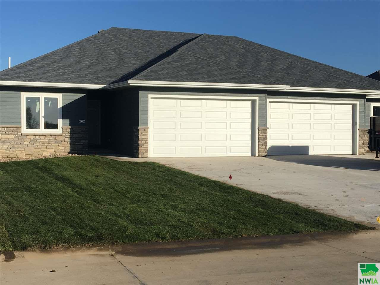 Property for sale at 202 S Churchill Circle, No. Sioux City,  SD 57049