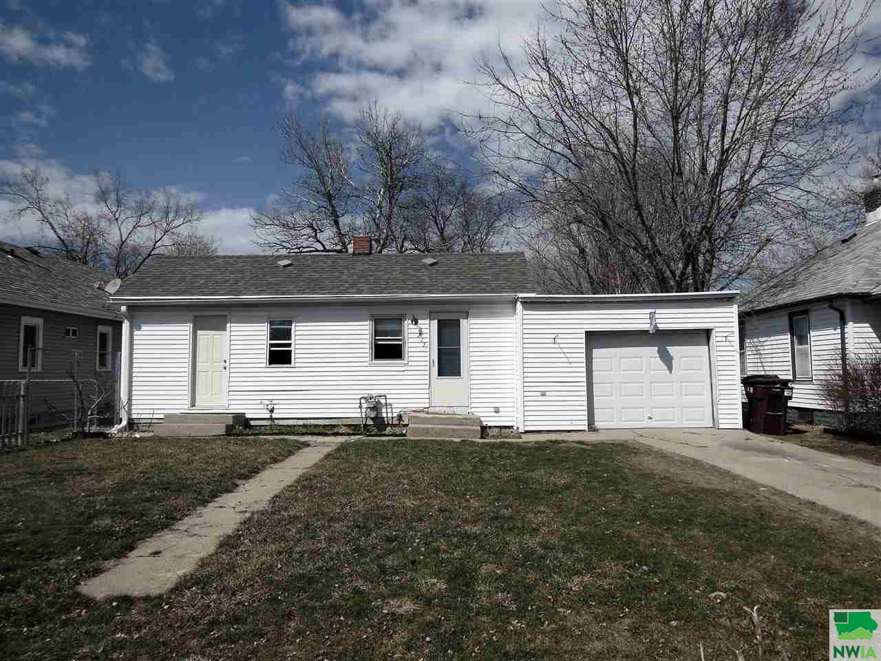 Property for sale at 213 East 30th St., South Sioux City,  NE 68776