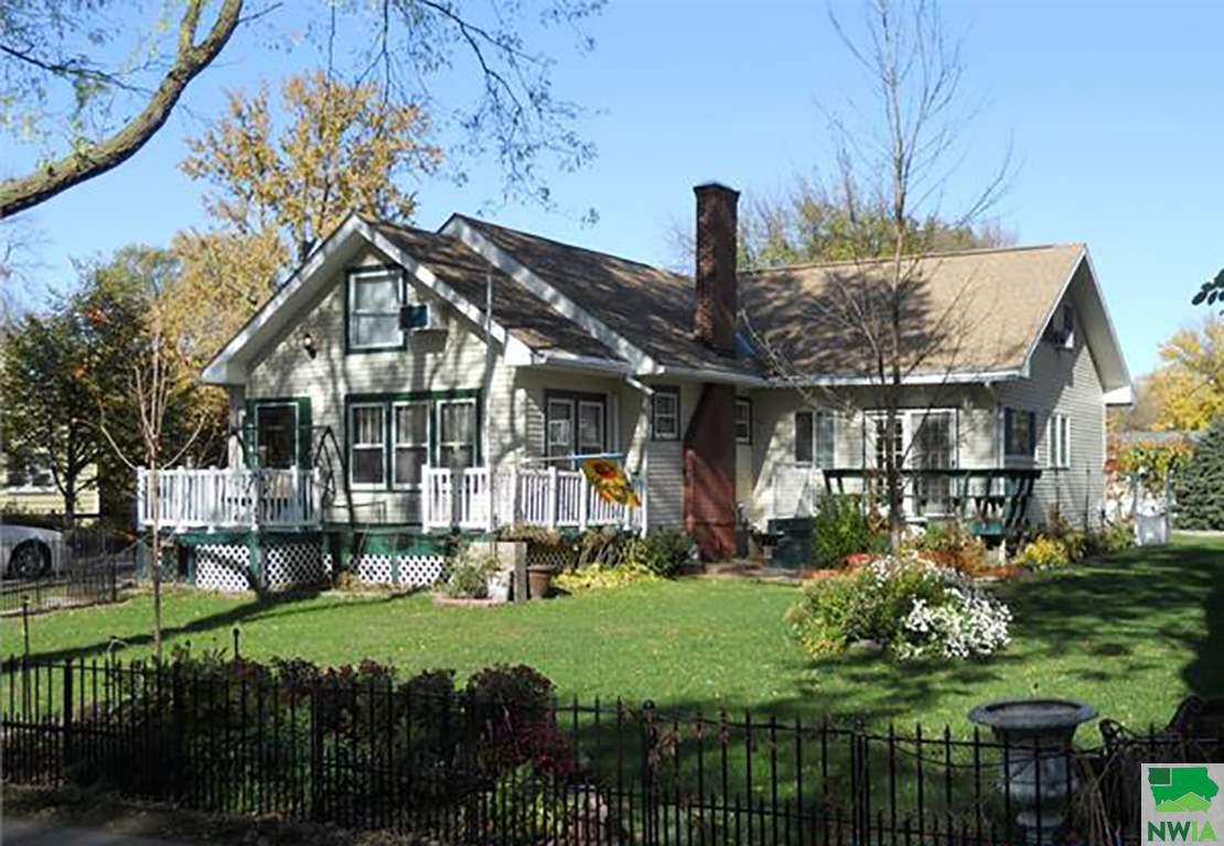 Property for sale at 916 E Clark St, Vermillion,  SD 57069
