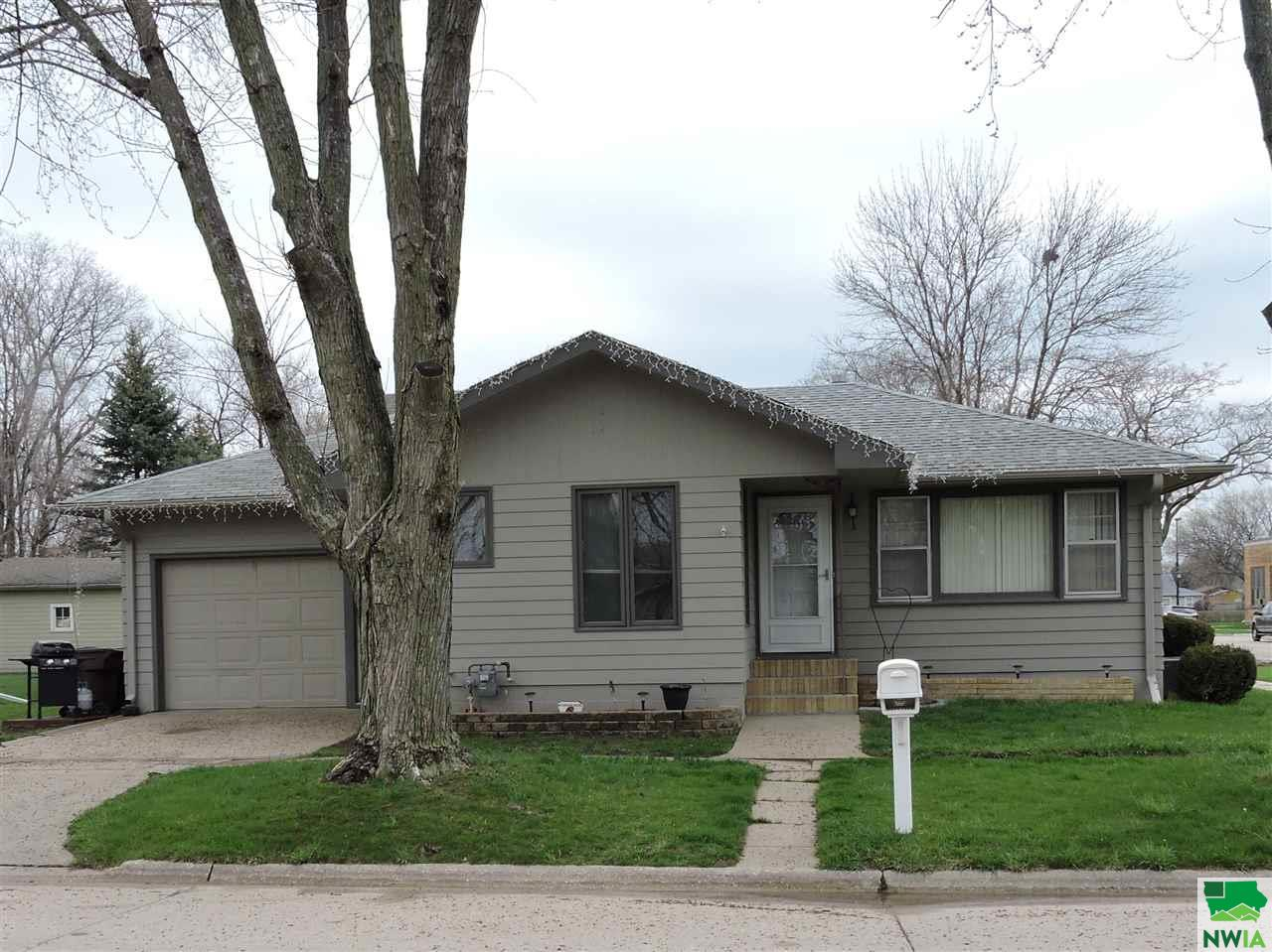 Property for sale at 3114 2nd Ave, South Sioux City,  NE 68776