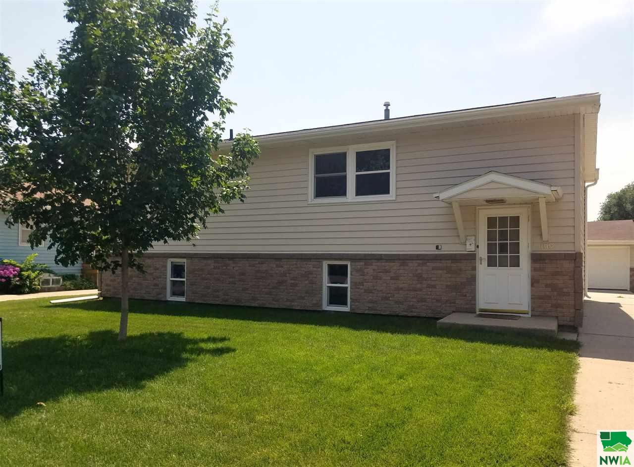 Property for sale at 1110 Westend, Vermillion,  SD 57069