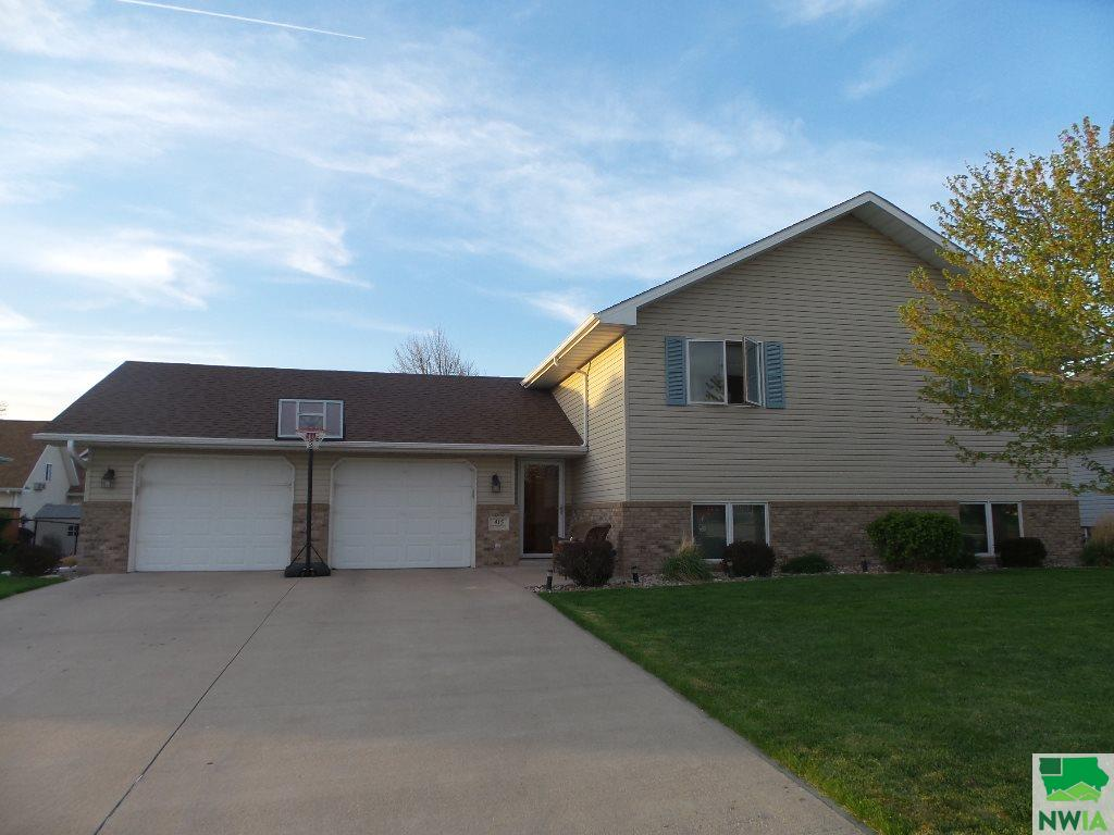 Property for sale at 415 Barrington Dr, Sergeant Bluff,  IA 51054