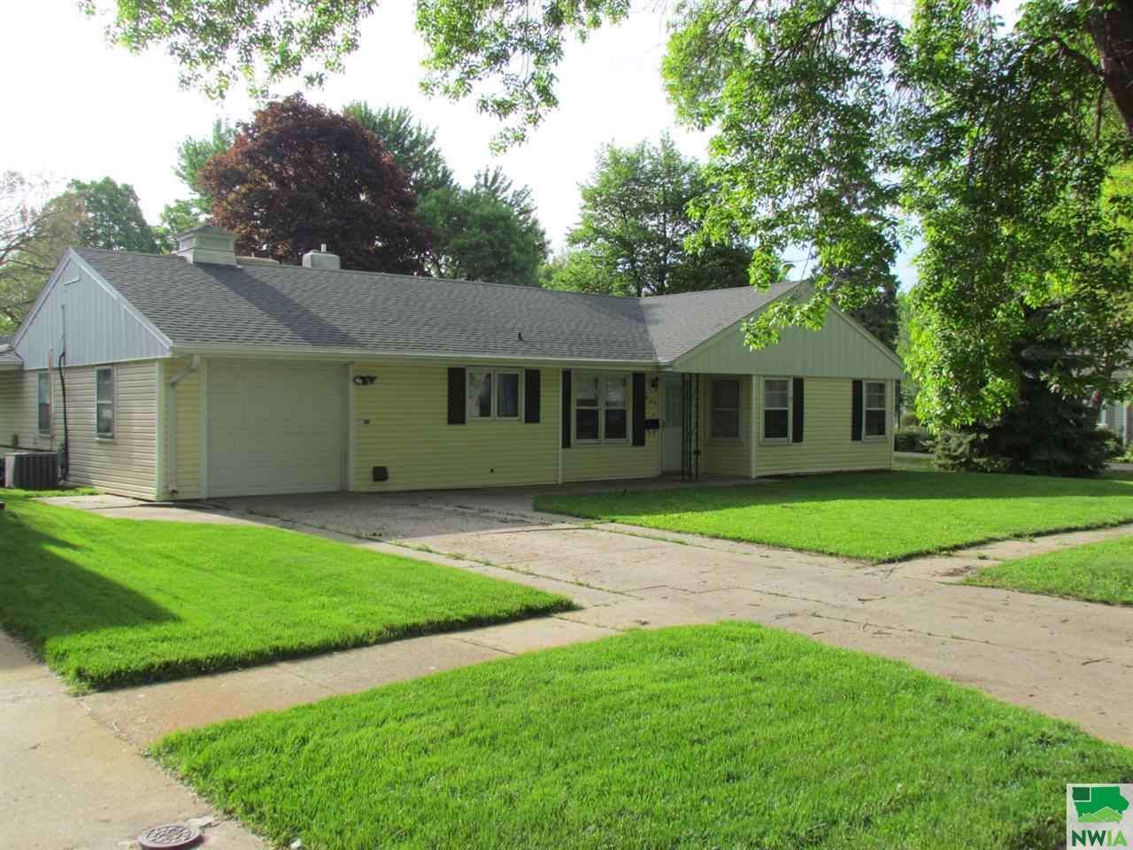 Property for sale at 807 13Th Street Unit: ., Onawa,  IA 51040