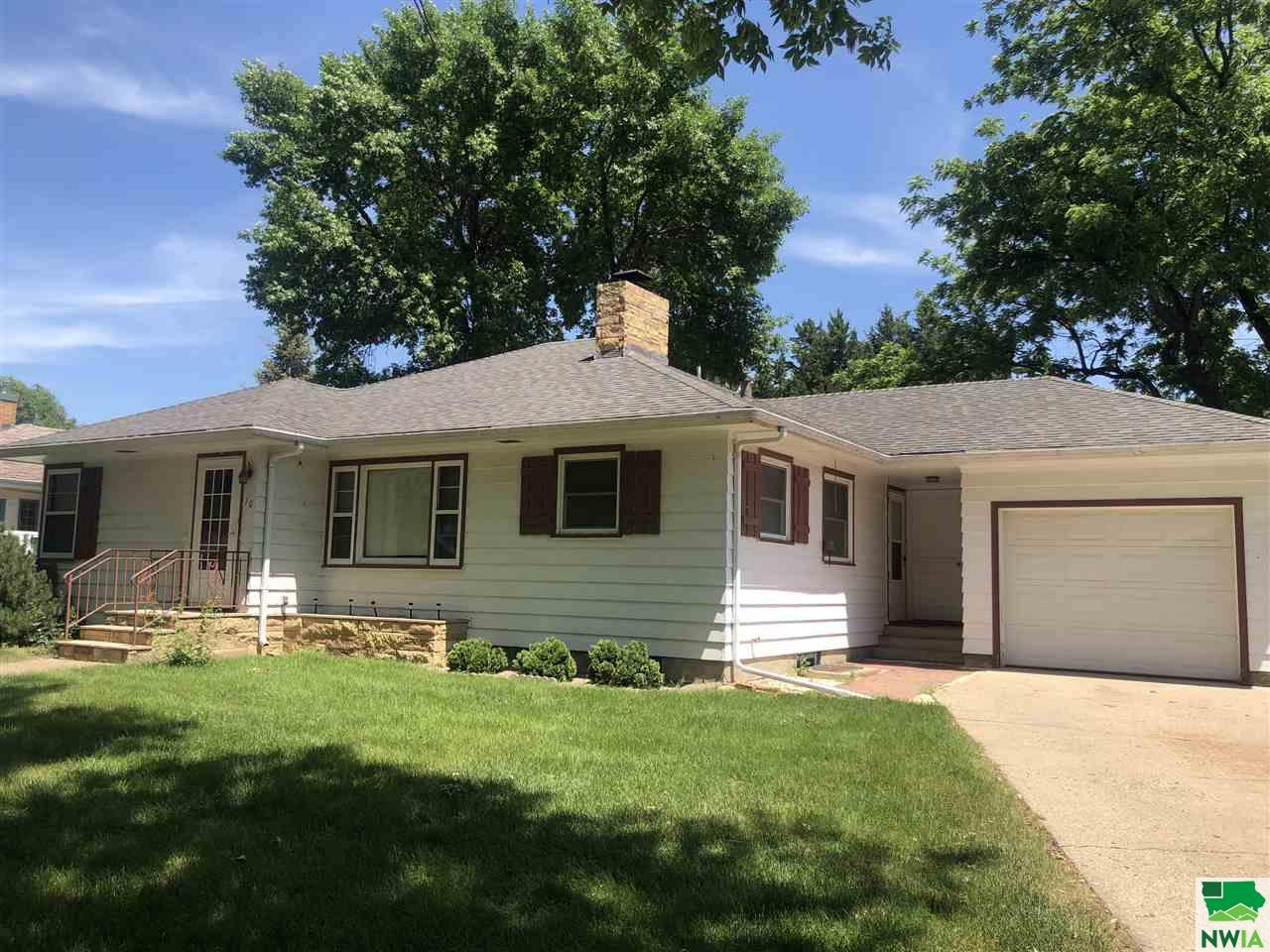 Property for sale at 10 S Pine, Vermillion,  SD 57069