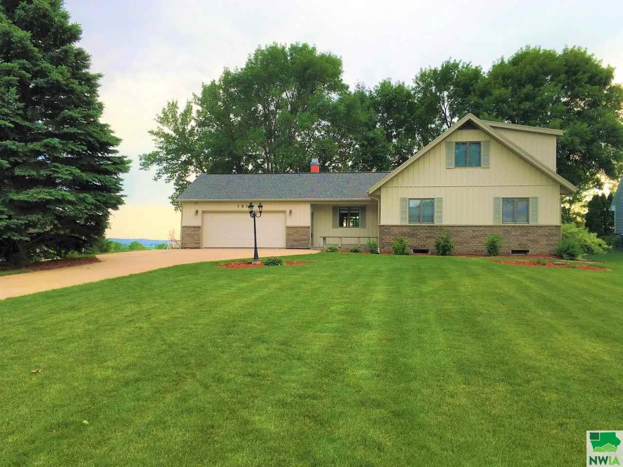 Property for sale at 1870 Constance, Vermillion,  SD 57069