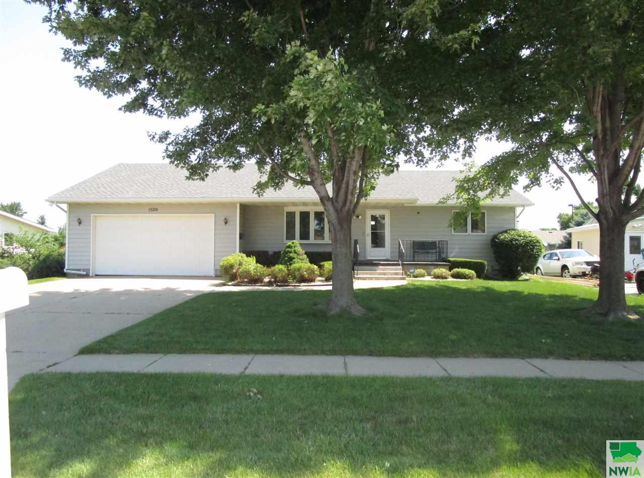 Property for sale at 1520 F Street, South Sioux City,  NE 68776
