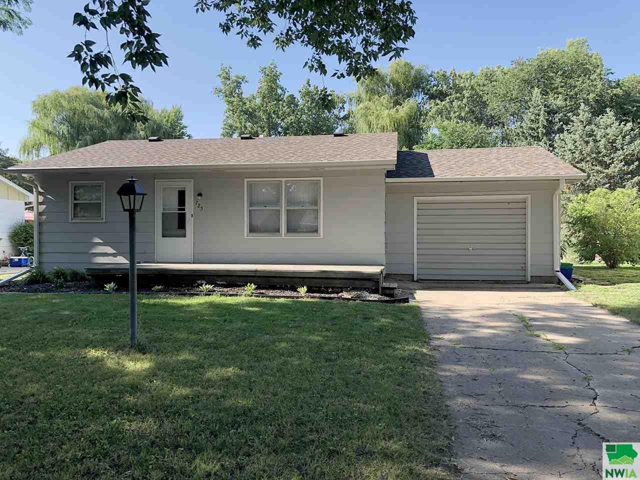 Property for sale at 725 W Clark, Vermillion,  SD 57069
